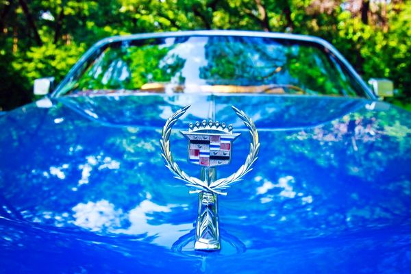 Cadillac Eldorado blue cabrio