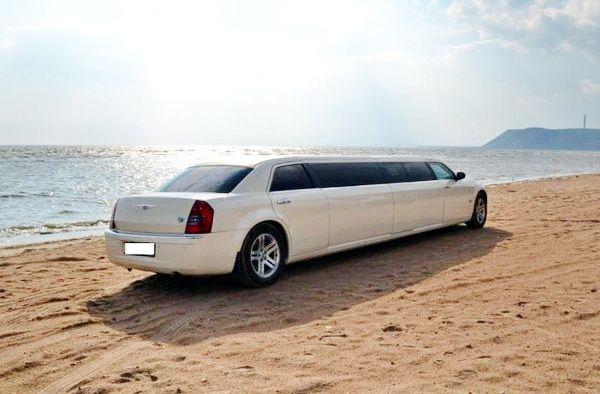 Лимузин Chrysler 300C vanil