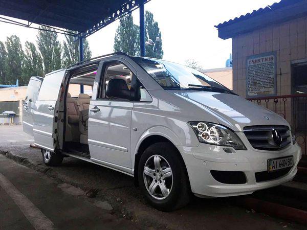 Mercedes Viano белый