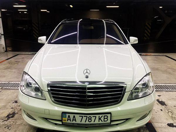 Mercedes W221 S550 white