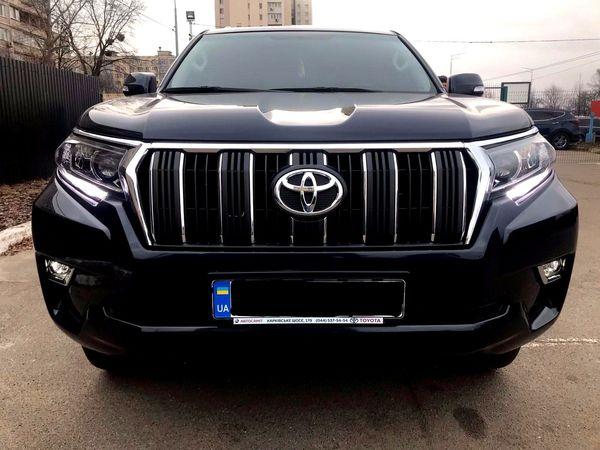 Toyota Prado черная