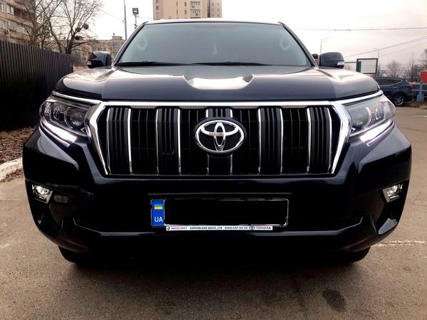 Toyota Prado black