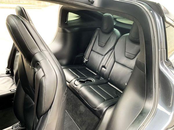 TESLA X 100D серый внедорожник