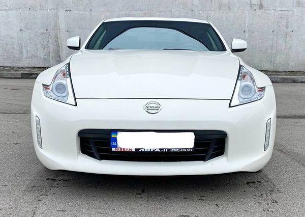 Nissan 350Z белый